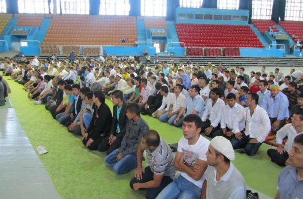 صلاة عيد جامعة موحّدة لمسلمي مدينة أوديسا جنوب أوكرانيا
