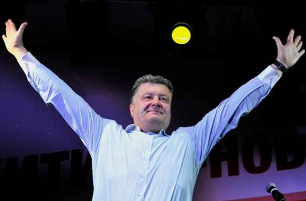 بوروشينكو في مواجهة شبحي الانهيار والانفصال