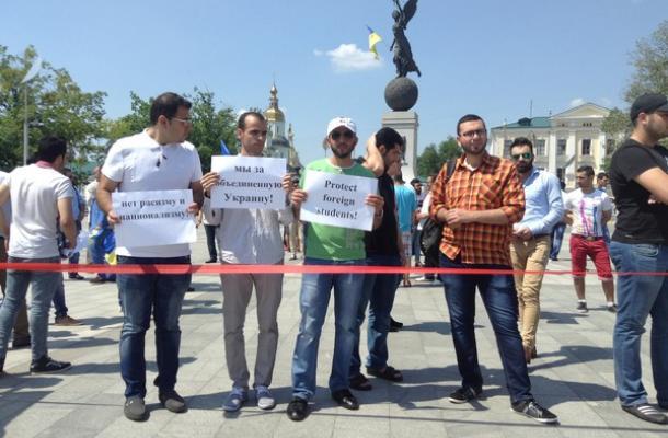 جانب من احتجاجات الطلبة الأجانب بوسط خاركيف