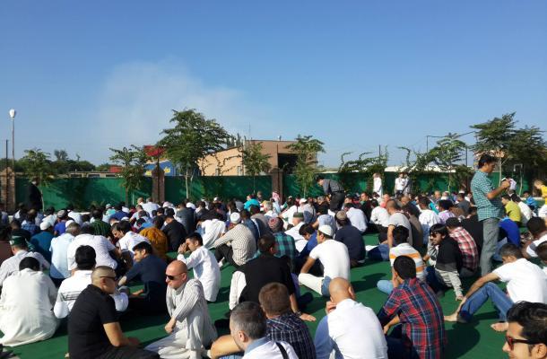 العيد في المسجد الجامع بمدينة لوهانسك