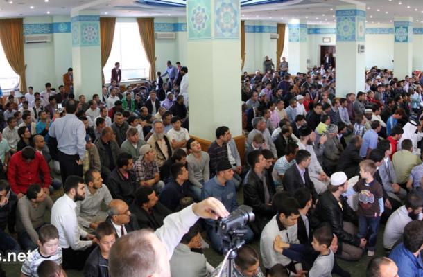 خطبة العيد في مسجد النور التابع للمركز الثقافي الإسلامي بالعاصمة كييف
