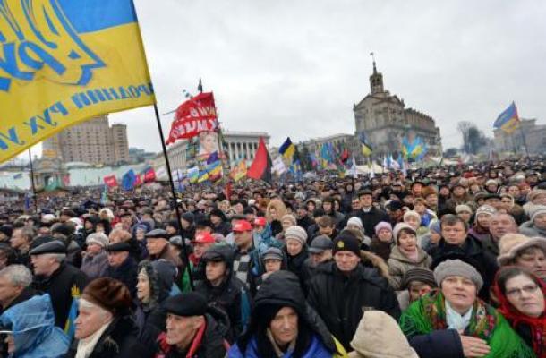 روسيا تطرد صحفيا أمريكيا غطى مظاهرات الاحتجاج في أوكرانيا