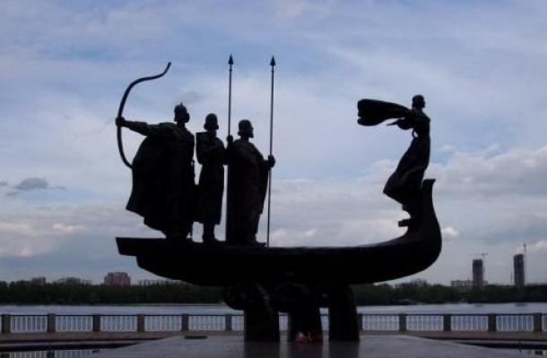 معالم تاريخية وسياحية شهيرة في العاصمة الأوكرانية كييف