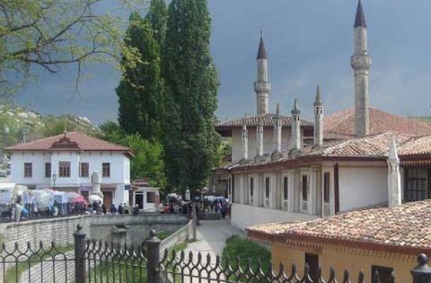 جانب من المعالم الإسلامية المتبقية في المدينة