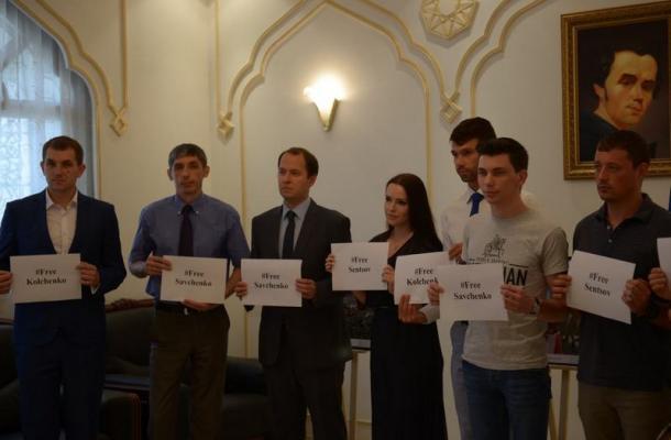 وقفة تضامنية مع المعتقلين الأوكرانيين لدى روسيا