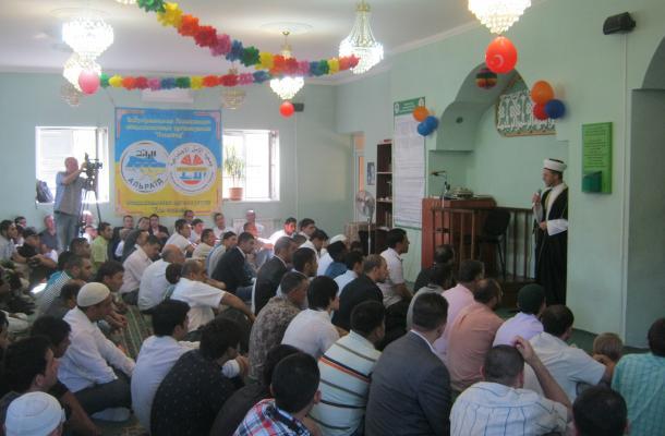 """صلاة العيد في مسجد """"الأمل"""" بمدينة دونيتسك"""