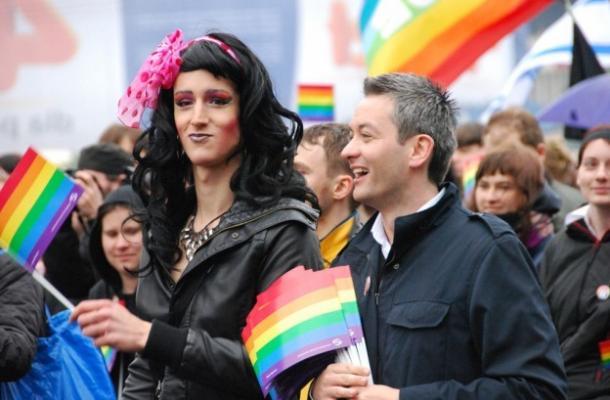 """مجهولون يهاجمون مسيرة لـ""""مثليي الجنس"""" في أوكرانيا"""