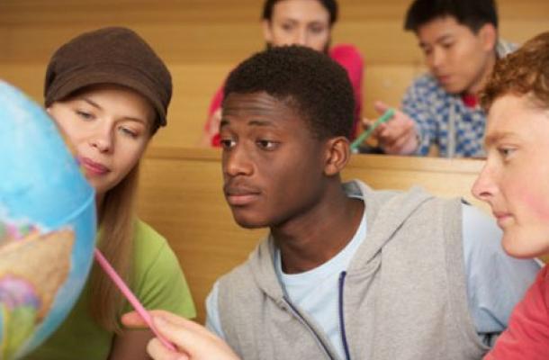 الطلاب الأجانب في أوكرانيا.. بين حلاوة الوعود ومرارة المشاكل