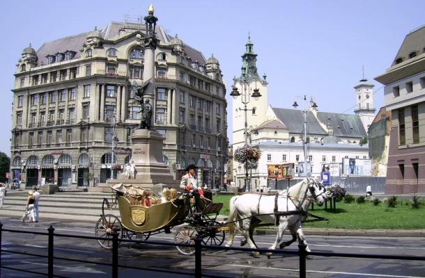 معالم تاريخية وسياحية شهيرة في مدينة لفيف غرب أوكرانيا