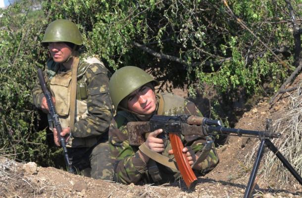 الجيش الأوكراني يتلقى إذنا بإطلاق النار في حال تعرضه لأي هجوم