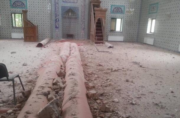 من آثار إصابة المسجد الجامع بمدينة دونيتسك