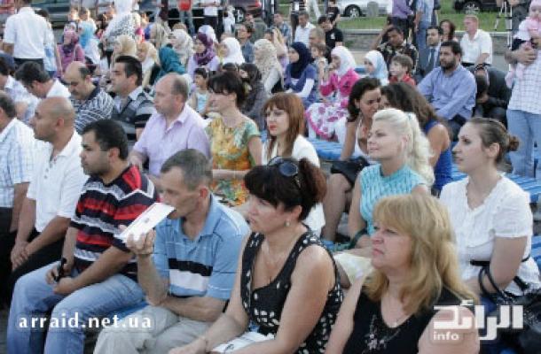 أعداد حاشدة من الأوكرانيين وأبناء الجاليات حضرت احتفال كشف الستار عن اللوحة