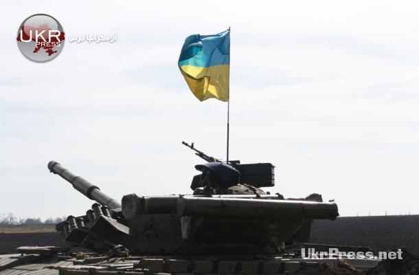 دبابة أوكرانية على الحدود الروسية في مدينة خاركيف