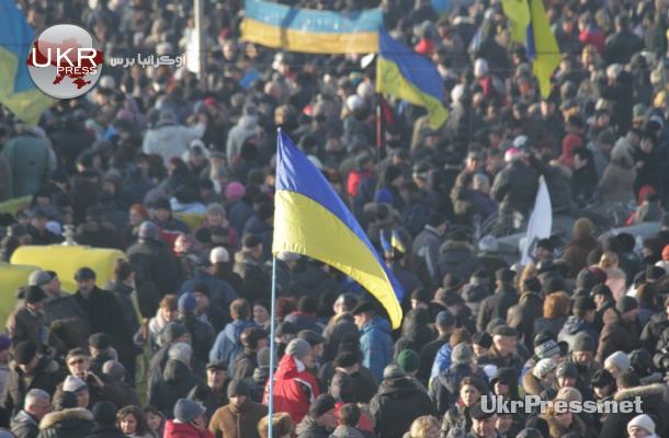 من الاحتجاجات بميدان الاستقلال في العاصمة كييف يوم الأحد الماضي