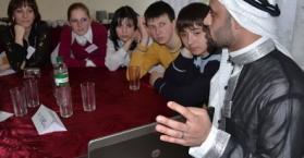 """""""المكتبة الحية"""" حملة أممية لتعزيز التفاهم بين الثقافات والديانات في أوكرانيا"""