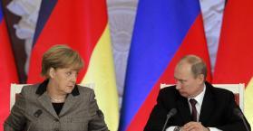بوتين يدعو إلى إنهاء القتال في شرق أوكرانيا و ميركيل يجب العودة لوقف إطلاق النار