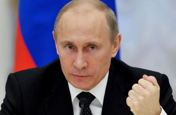 """بوتين يلوح بـ""""جدار حماية جمركية، ويحذر أوكرانيا من الوقوع في """"مزالق الاتحاد الأوروبي"""""""