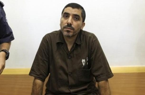 """الأسير أبو سيسي في رسالة: أعيش في """"قبر مؤقت""""، وأشكو المقصرين إلى الله..."""